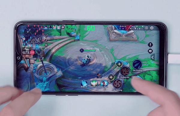 Review điện thoại chơi game tốt giá dưới 4 triệu, Realme 3 khi chơi Liên Quân Mobile