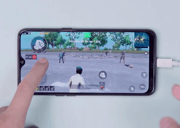 Review điện thoại chơi game tốt giá dưới 4 triệu, Realme 3 khi chơi PUBG Mobile
