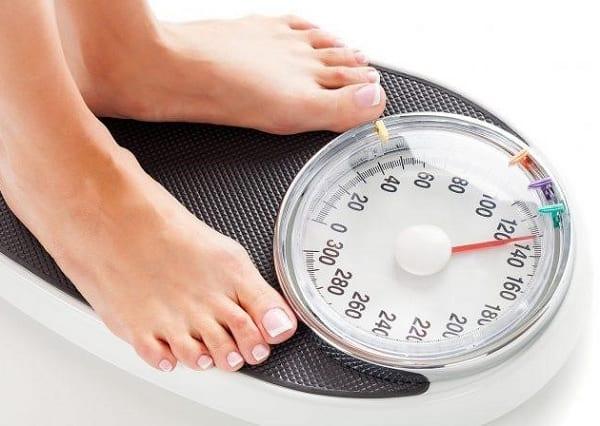 Thực phẩm chức năng hỗ trợ giảm cân. Cos nên sử dụng thực phẩm chức năng giảm cân không?