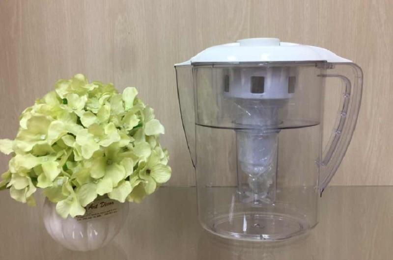 Bình lọc nước mini bán chạy nhất hiện nay. Bình lọc nước mini Allfyll. Bình lọc nước mini để bàn