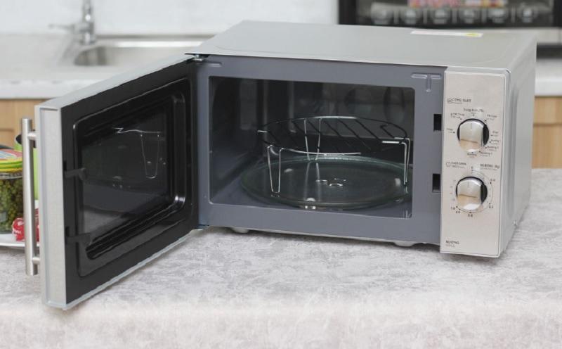 Lò vi sóng có nướng loại nào tốt. Lò vi sóng Sharp có nướng giá dưới 2 triệu. Lò vi sóng Sharp có nướng R-G227VN-M