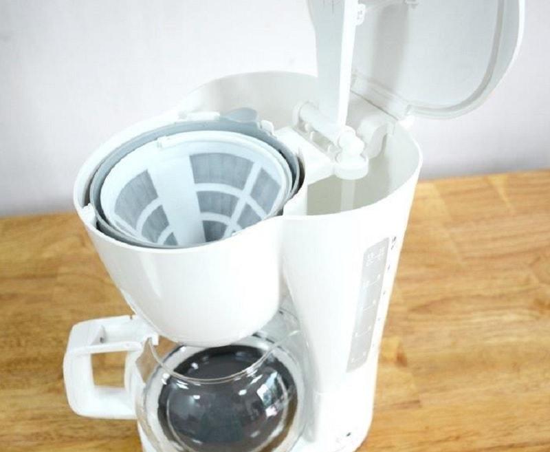 Máy pha cà phê Electrolux ECM1303W. Máy pha cà phê Electrolux giá dưới 1 triệu tốt nhất