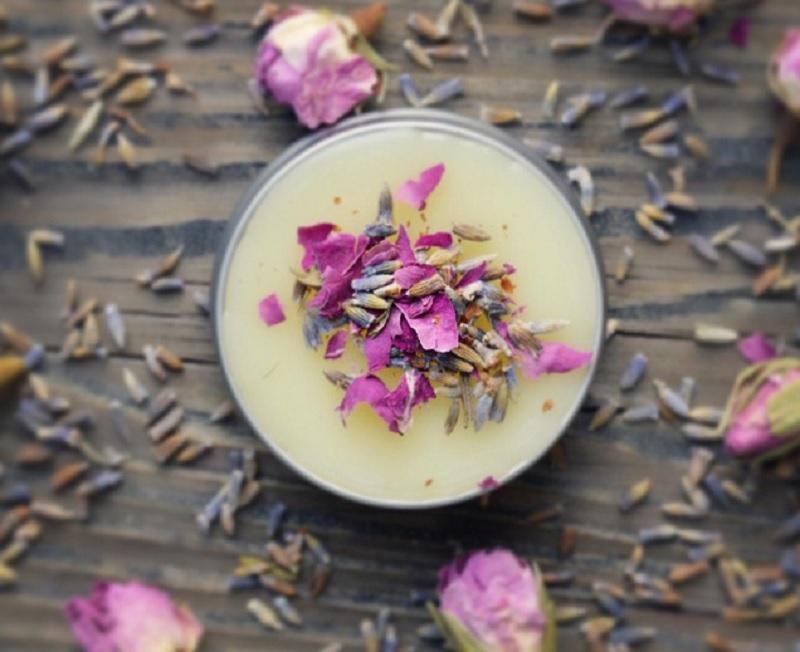 Có nên dùng nước hoa khô Dạ Xuân Trà không? Nước hoa khô Cỏ Mềm