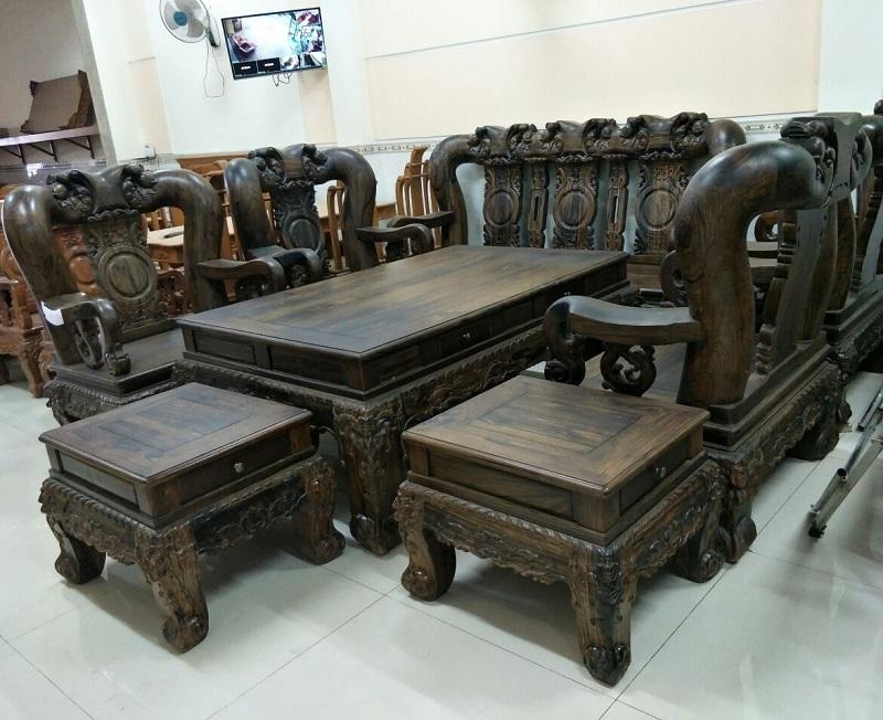 Nên mua bộ bàn ghế sofa hay gỗ?