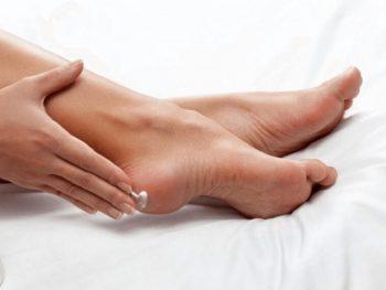 Kem trị nứt gót chân Gót Sen. Kem trị nứt gót chân Gót Sen có tốt không?